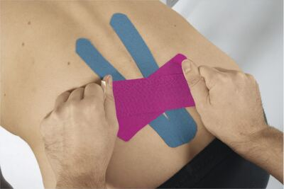 Imagem 6 do produto Leukotape 5 cm  X 5 m Azul Celeste BSN Medical - Leukotape 5 cm X 5 m Azul Celeste BSN Medical