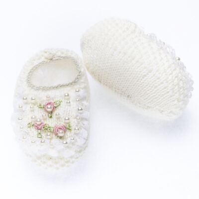 Imagem 3 do produto Sapatinho em tricot Renda Pérolas & Mini Flores Marfim - Roana
