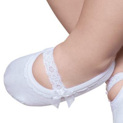 Imagem 2 do produto Meia Sapatilha para bebe Branca Renda & Laço - Puket - PK9039L-B Meia Sapatilha Festa Branco -0/4