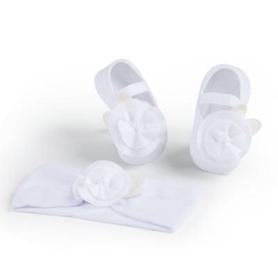 Imagem 1 do produto Kit Faixa de cabelo e meia sapatilha para bebe Flor Branca - Puket - PK6934L-B Kit Faixa de Cabelo + Meia Sapatilha Branco -5/8